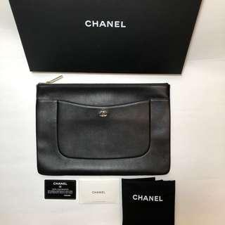 Chanel O case Caviar Large
