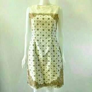 Beige Japan classic dress with paisley print Ansabla