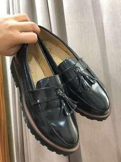 9.5成新 英倫風 樂福 流蘇 皮鞋
