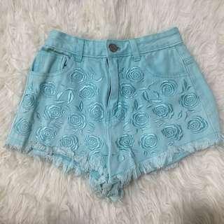 🚚 Rose Embroided Denim Shorts