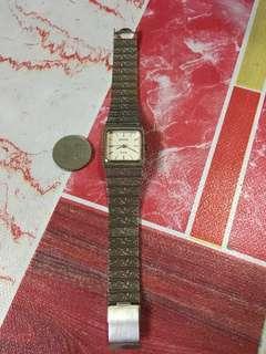 Jam wanita