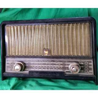 古老收音機 Antique Philips Radio