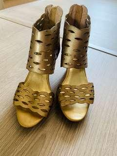 百貨專櫃SM全皮晚宴金高跟鞋
