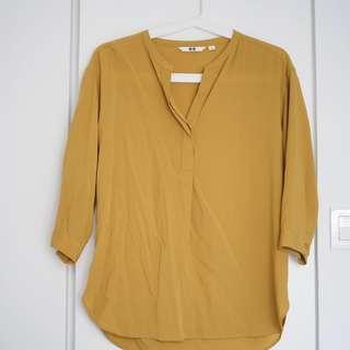 全新 包順豐 uniqlo 泥黃色 雪紡 防皺 上衣 女裝 恤衫 襯衫 shirt size S