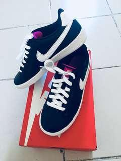Nike Court Majestic (Shoes)