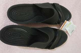 Crocs color block wedge w9 - bal 2 pairs