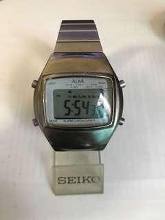 Alba Y735-4A10 digital watch