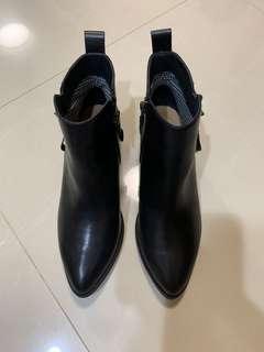 全新專櫃真皮女靴黑37