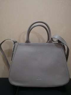 Buy 1 get 1 Aigner Abby Bag