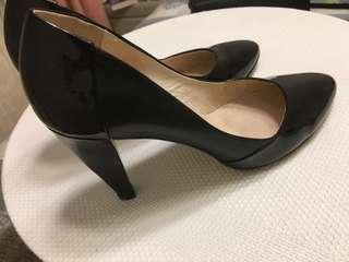 Size 38 wittner leather heels