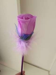 紫玫瑰花筆