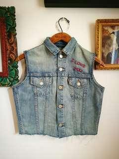 LEVI'S Denim Vest Embroidered Vintage Style