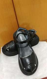 ✨Sandals /Korean /Japan /Leather Black /文青 / Comfortable / Cushion /厚底增高