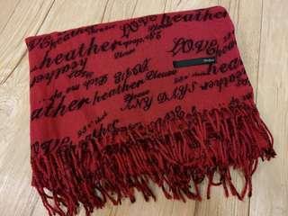 櫻桃色字母圍巾