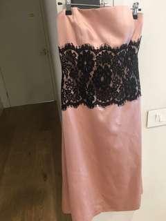 Women's strapless formal dress