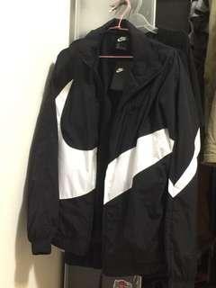 🚚 Nike 大勾風衣外套 M號
