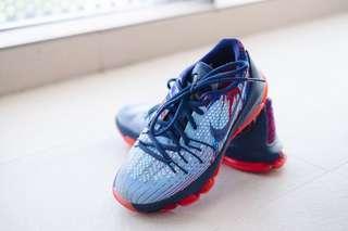 Nike Teenager Basketball Sneaker Shoe