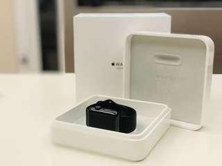 Apple Watch 2 42公釐太空黑色不鏽鋼錶殼搭配黑色運動型錶帶