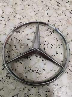 Mercedes Benz boot logo w126 emblem