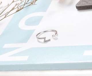 🚚 曲折精緻戒指💍-銀