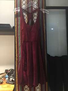 🚚 露背酒紅洋裝
