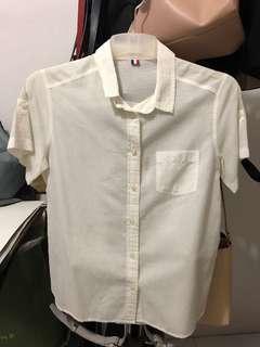 Kemeja Putih / White T-shirt