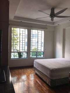 Northoaks master bedroom 10min walk to admiralty mrt with curtain & long bathtub