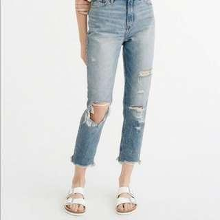 LOOKING FOR: A&F ABERCROMBIE AND FITCH ANNIE GIRLFRIEND HIGH RISE JEAN