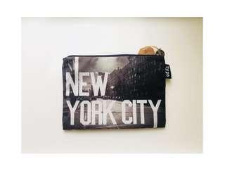 🚚 NEW YORK 黑白極簡風 收納袋 筆袋 化妝包 小物包 交換禮物🎁 🎉