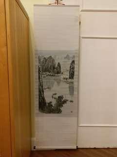 杭州真丝刺绣画2副,全长40寸×宽12寸