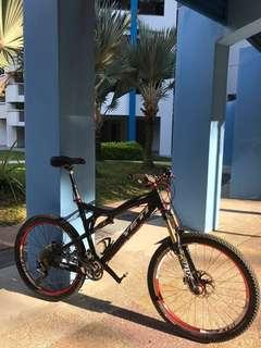Chris King Carbon Yeti ASR5 full suspension bike