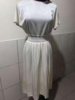 🚚 日古著 三色圓領收腰白色雕花洋裝