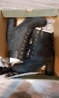 Timberland 女款黑色短靴