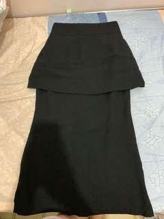 黑色顯瘦長裙