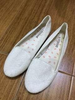 H&M白色蕾絲平底鞋
