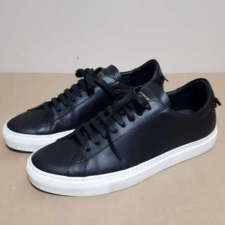 Givenchy Mens Knots Low Top Sneakers Size 41