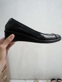 Sepatu Kerja Bata