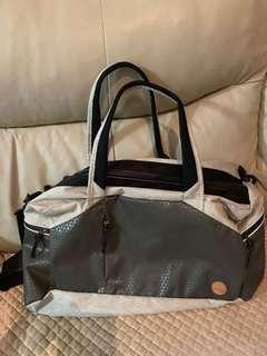 Timberland Duffle Bag 運動實用手提袋/hand carry 可手提上飛機 超值優惠
