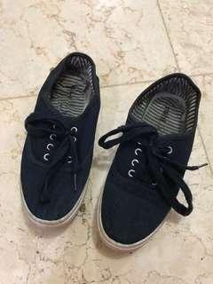 RUBI Navy Sneakers
