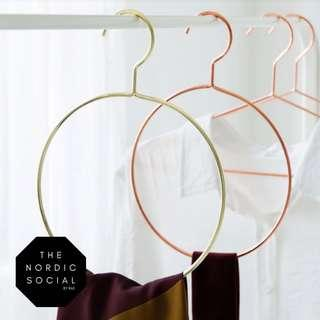 Funky hangers in gold & rose gold