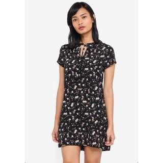 🚚 Something Borrowed Tie Detail Shift Dress