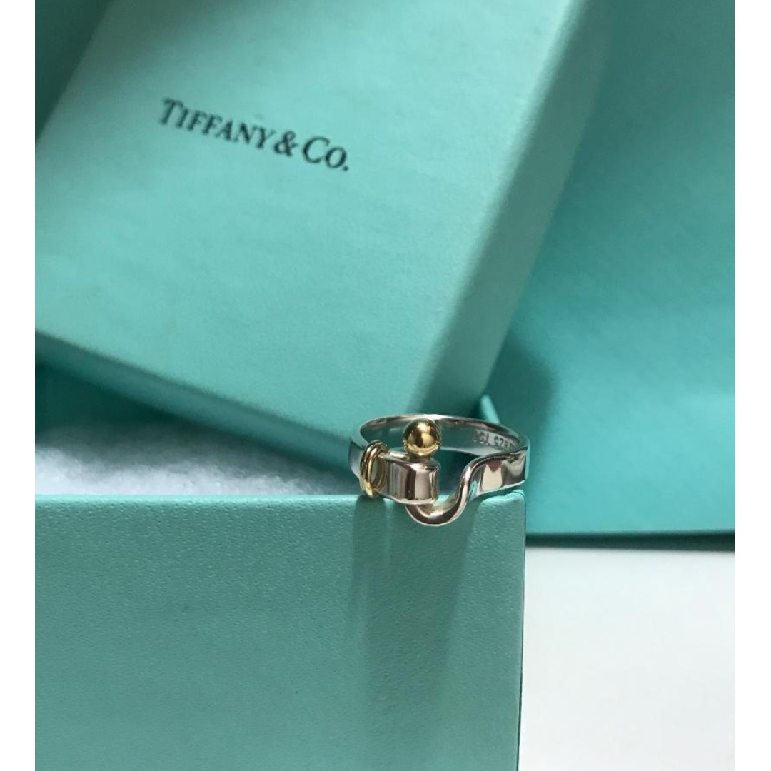 3934ad875 原價$2500 Tiffany & Co Love Hook Eye 18k Gold Silver Ring, Luxury ...