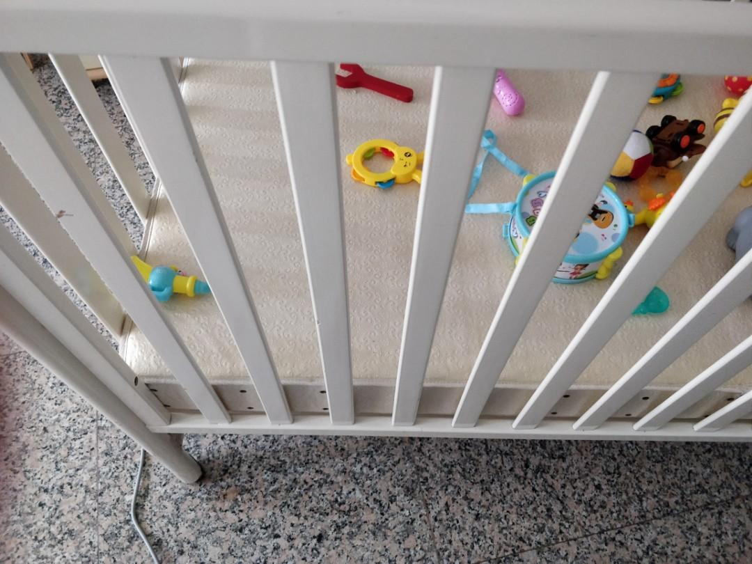 Baby Cot baby craddle very good condition . Baby cribe