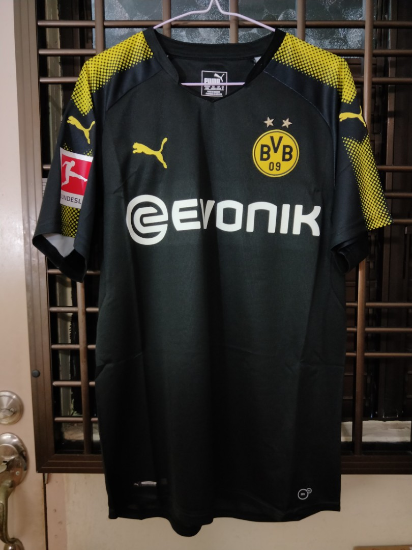 6a13773f Borussia Dortmund 17/18 Away Kit (BNWT), Sports, Sports Apparel on ...