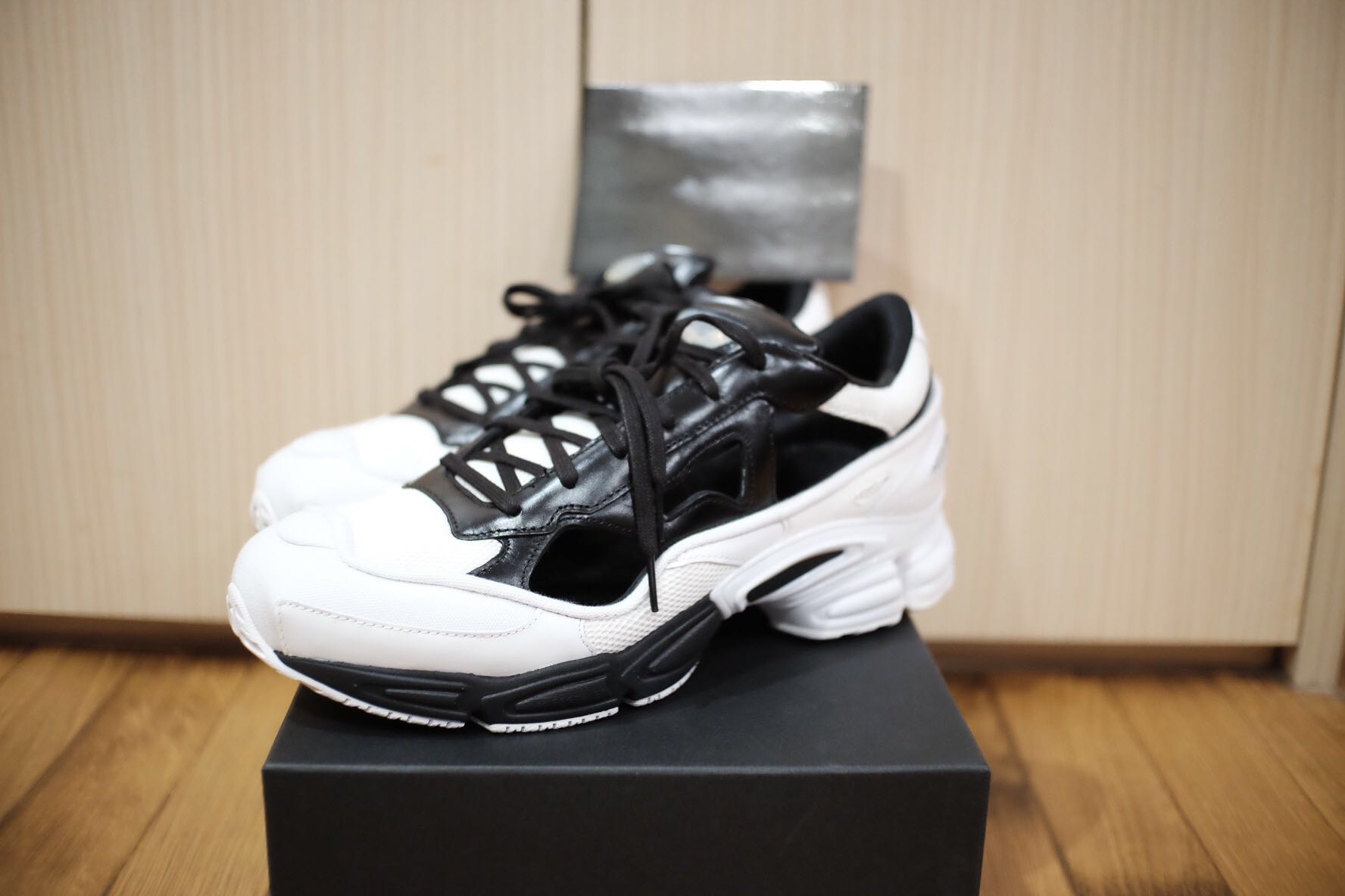 new product 3f36e 9ed06 Brand new Adidas raf simons RS replicant ozweego