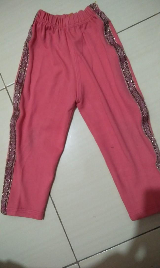 Celana Legging Bahan Tebal Ukuran 1 5 Sampai 2 Tahun Bayi Anak Baju Anak Perempuan 1 Hingga 3 Tahun Di Carousell