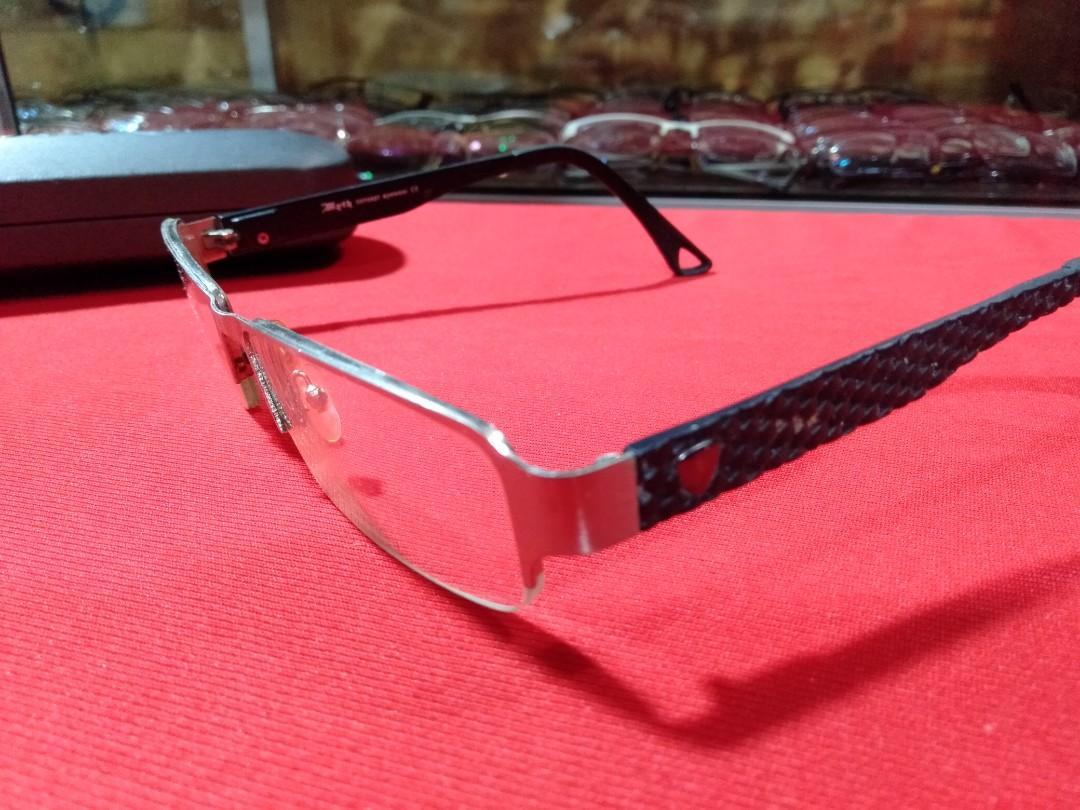 Kacamata merk Myth concept eyewar original