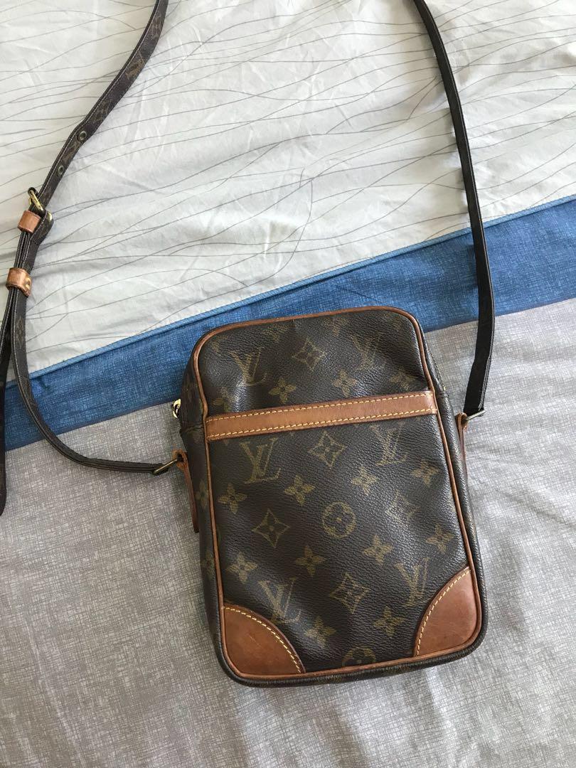 222801d7bc37 Louis Vuitton Danube Crossbody Bag Authentic Monogram Brown