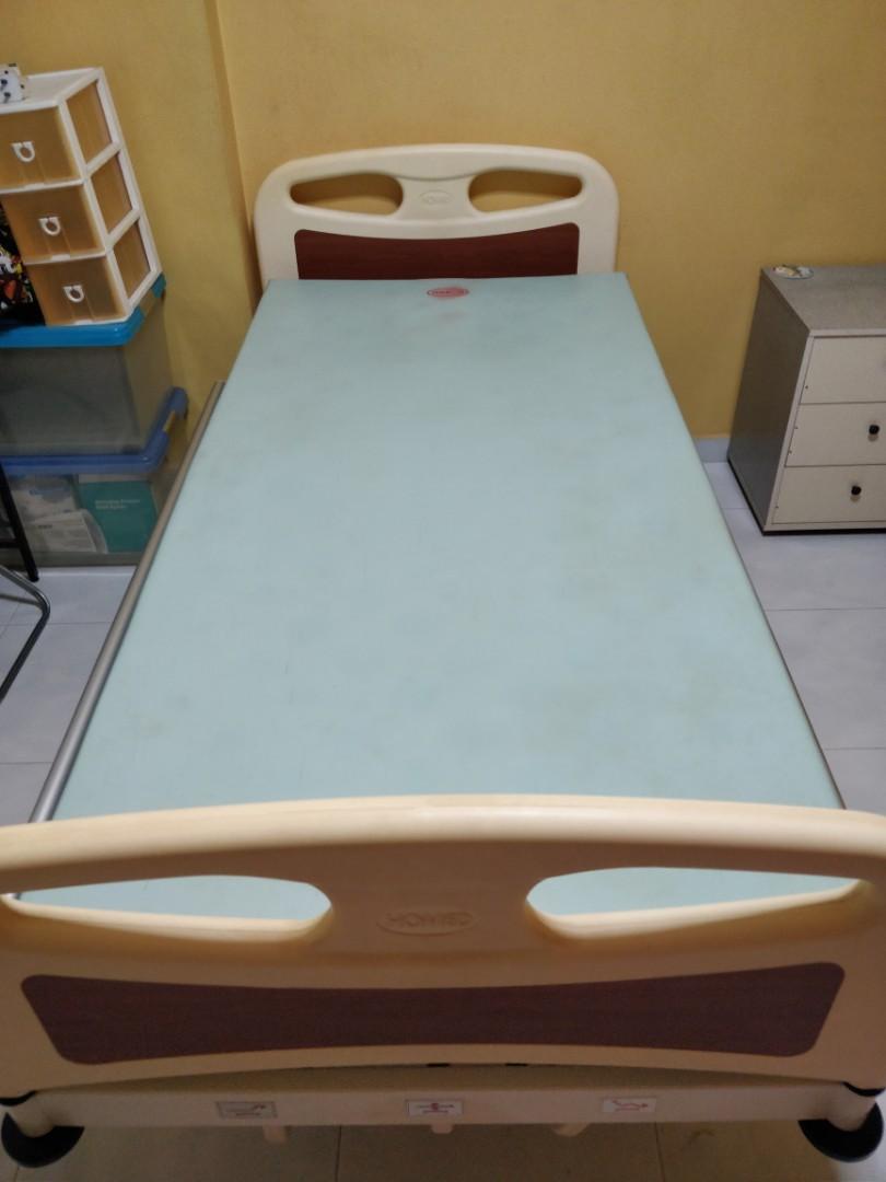 Manual 3-crank Hospital Bed