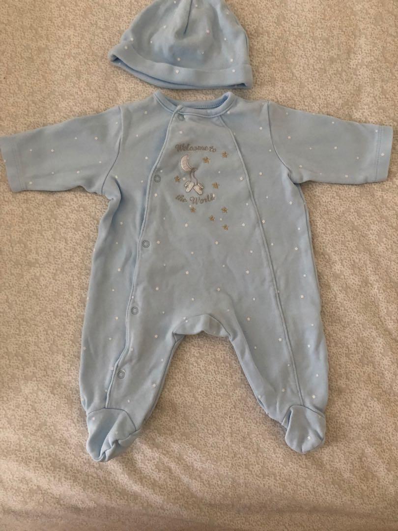 Newborn Bodysuits with Hat